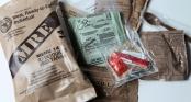 Hỗn hợp bột giúp người lính có bữa ăn nóng sốt trong 10 phút