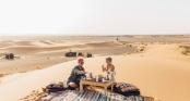 Cặp đôi blogger kiềm 200 triệu cho 1 bức hình đăng trên Instagram chỉ bằng đi du lịch