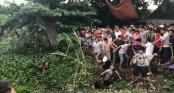 Hàng trăm người dân vây đánh 2 \