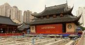 Di chuyển ngôi chùa trăm tuổi nặng 2.000 tấn đi hàng chục mét