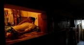 """Cuộc sống tù túng của hàng nghìn người dân Hồng Kong trong những""""ngôi nhà quan tài"""" rộng vài m2"""