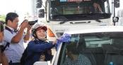 Tài xế tung độc chiêu dừng ôtô rửa xe trong 10 phút để phản đối BOT Cai Lậy