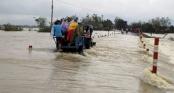 Nước lũ bủa vây, toàn bộ học sinh Bình Định phải nghỉ học