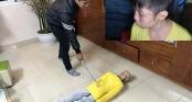 Vụ bạo hành dã man con trai 10 tuổi: Bố đẻ bị khởi tố thêm tội danh mới sau kết quả giám định thương tật