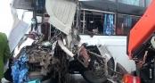 Xe khách đâm xe cứu hỏa trên cao tốc, 1 chiến sĩ PCCC đã hi sinh