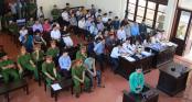 Nghe tòa công bố lời khai của nguyên giám đốc Trương Quý Dương, bác sĩ Lương đứng dậy phản đối