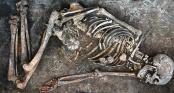 Những hình vẽ kỳ lạ trên bộ hài cốt 4.500 năm tuổi: Bí mật ngàn năm hé lộ?