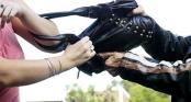 Người phụ nữ bị giật túi Hermes chứa 400 triệu đồng ở trung tâm Sài Gòn