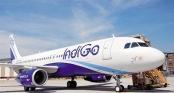 Hành khách bị đuổi khỏi máy bay vì cố vào buồng lái để sạc điện thoại
