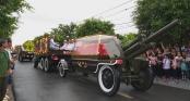 Đoàn xe tang đưa linh cữu Chủ tịch nước Trần Đại Quang về quê nhà