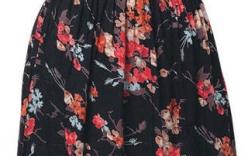 6 cách diện trang phục in hoa cho phụ nữ tuổi 30