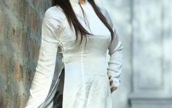 Nữ sinh Hà Nội duyên dáng với áo dài