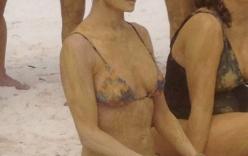 Demi Moore sexy khoe dáng khi đi tắm bùn