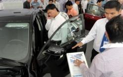 Cấm mua ôtô, xe máy bằng tiền mặt: Câu hỏi lộ trình