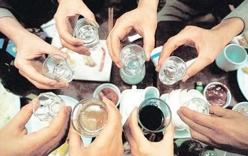 Cảnh báo tình trạng ngộ độc rượu hàng loạt