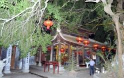 Chiêm bái đền Mẫu ở Hưng Yên