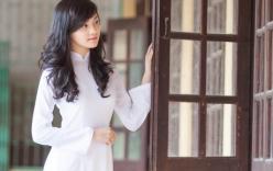 Hoa khôi 9X xứ chè tinh khôi trong áo dài trắng