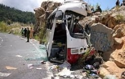 Sự kiện nổi bật trong nước tuần qua: Xe chở giáo viên đâm vào vách núi, 7 người chết