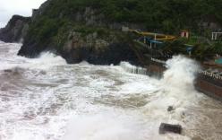 Thời sự 24h ngày 24/6: Bão số 2 gây sạt lở hàng trăm mét đê, kè chắn sóng