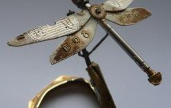 Côn trùng tuyệt đẹp được tái tạo bằng linh kiện đồng hồ cũ