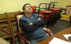 Chí Trung ngủ gục tại nơi tập Táo quân 2014
