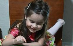 Bé gái 3 tuổi đạt IQ cao bằng Bill Gates