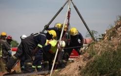 Nam Phi: Sập mỏ vàng, công nhân từ chối cứu hộ