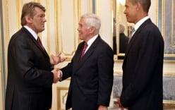 "Obama khiến Ukraine ""yếu ớt"" trước Nga?"