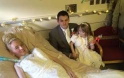 Xúc động đám cưới trong phòng chăm sóc đặc biệt
