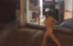Hotgirl nude toàn thân chạy bộ giữa chốn đông người