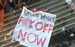 CĐV Arsenal biểu tình, chửi rủa, đòi sa thải Wenger ngay lập tức