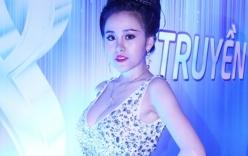 Bà Tưng khoe ngực khủng, Angela Phương Trinh đẹp tựa Phạm Băng Băng