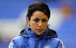 Nữ bác sỹ nóng bỏng của Chelsea khiến cầu thủ thích chấn thương