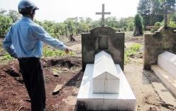 Bản tin 113 – ngày 5/5: Nghe tin đồn nhảm, đào mộ cha mới chôn…