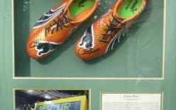 """Mất giày 600 triệu, Usain Bolt """"thủ thỉ"""" đòi kẻ trộm trả giày"""