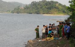 Phát hiện xác bé trai đang phân hủy trôi trên sông Hồng