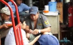 """Xâm nhập vào đường dây mua bán """"hàng nóng"""" giữa Sài Gòn"""