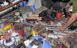 Cận cảnh xưởng sản xuất vũ khí của giang hồ đất Cảng
