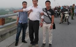 Chồng nạn nhân Lê Thị Thanh Huyền đến nhận dạng xác chết không đầu