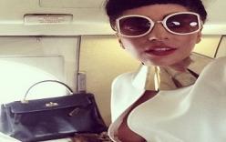 Đỏ mặt với ảnh tự sướng trên máy bay của Lady Gaga