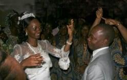 Con trai lấy mẹ đẻ làm vợ, em chồng cưới chị dâu