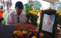 Chùm ảnh: Cầu siêu nạn nhân vụ thẩm mỹ viện Cát Tường tại nghĩa trang