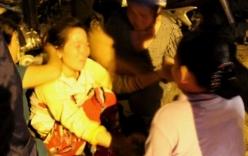 Tai nạn giao thông, vợ khóc ngất bên thi thể chồng