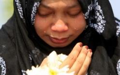 Malaysia xúc động đón nhận thi thể nạn nhân MH17
