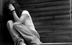 Người đàn ông hãm hại bé gái khi vợ vắng nhà