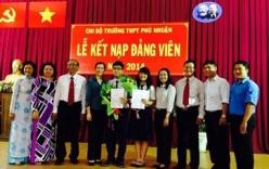 Quảng Ngãi: 2 học sinh THPT được kết nạp Đảng