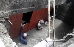 Vụ bé trai bị cuốn xuống cống: Hàng trăm người chặn dòng chảy tìm kiếm