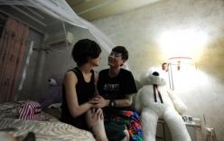 Cận cảnh cuộc sống hạnh phúc của cặp đồng tính nữ 8x