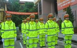 Cận cảnh áo mưa mới của CSGT Hà Nội