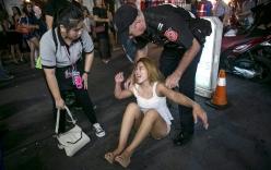 Cận cảnh cuộc truy quét gái mại dâm ở phố đèn đỏ nổi tiếng Thái Lan